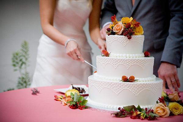 kakoj-tort-nuzhen-na-svadbu