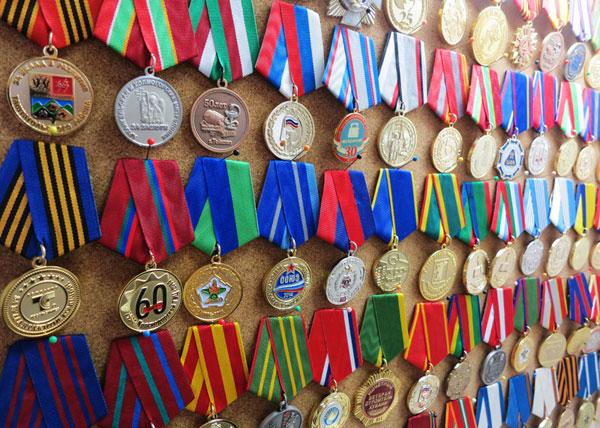 mnogo-medalej
